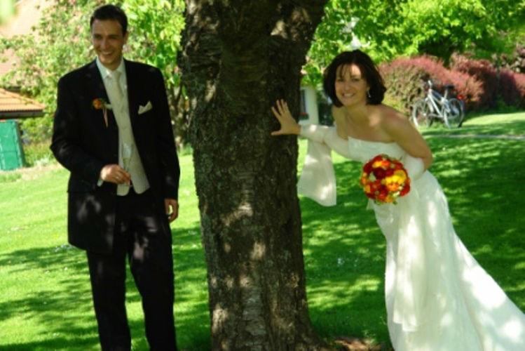 Beispiel: Glückliches Brautpaar, Foto: Hotel Schachner.