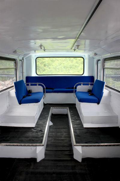 Autocarro descapotável - interior --- Bus Events - Aluguer de autocarros descapotáveis, autocarros de turismo, carrinhas tipo pão-de-forma e outros meios, para todo o tipo de eventos.