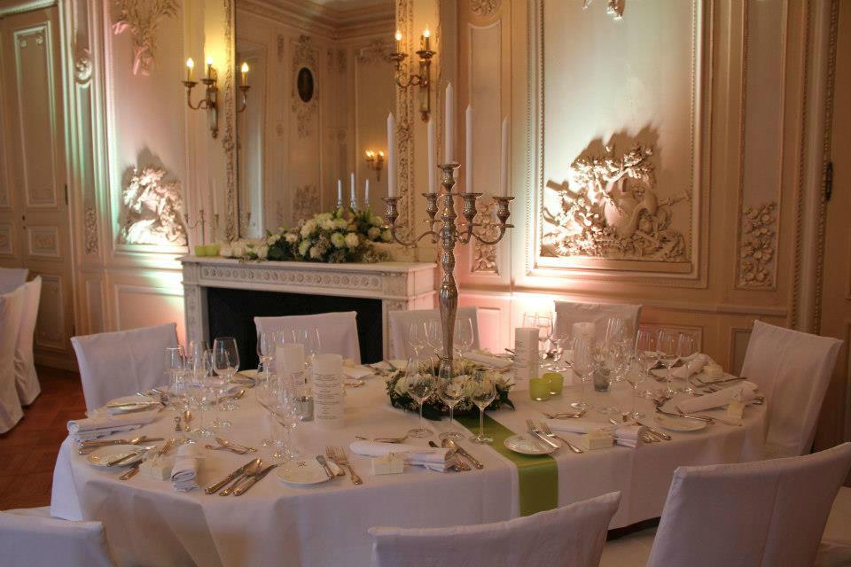 Beispiel: Von kreativen Dekoideen bis zur Menü-Auswahl, Foto: Herbig Wedding.