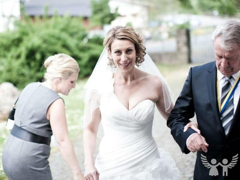 Beispiel: Kleine Handgriffe für einen perfekten Tag, Foto: Die Engel der Hochzeit.
