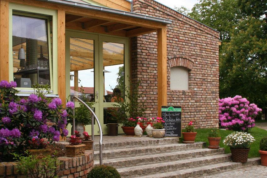 Beispiel: Wintergarten - Eingang, Foto: Gasthof Zur Linde.