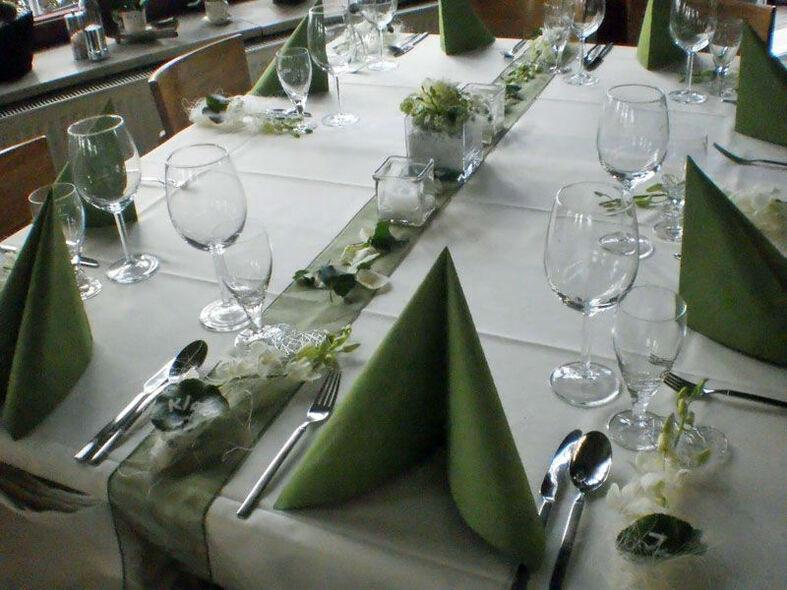 Beispiel: Tischdekoration, Foto: Vergiß mein nicht.