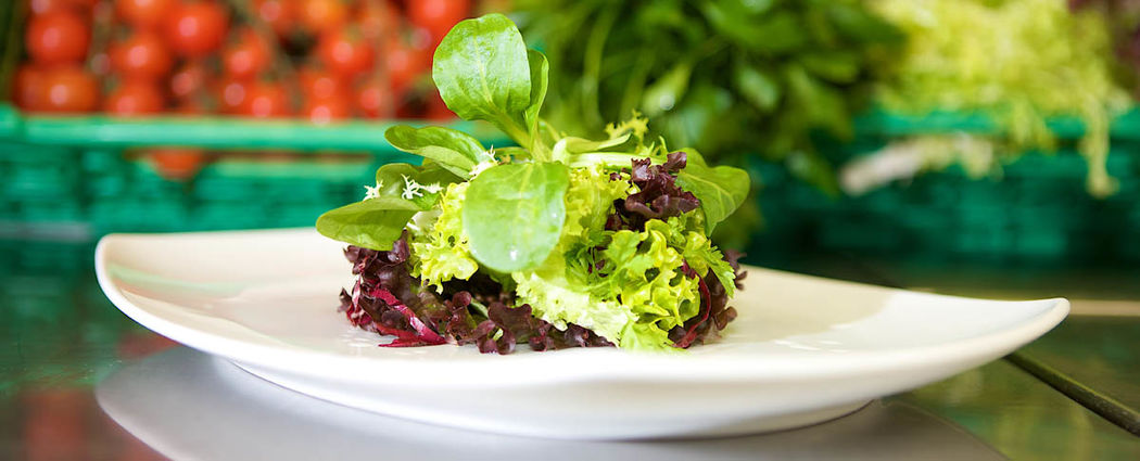 Beispiel: Salat, Foto: Jugendstil-Hotel Paxmontana.
