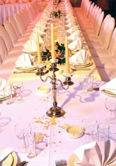 Beispiel: Hochzeitstafel, Foto: Ness Event.