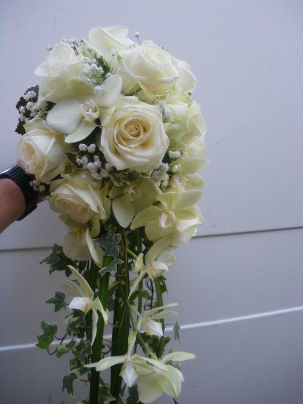 Beispiel: Brautstrauß in weiß, Foto: Hotz Gärtnerei.