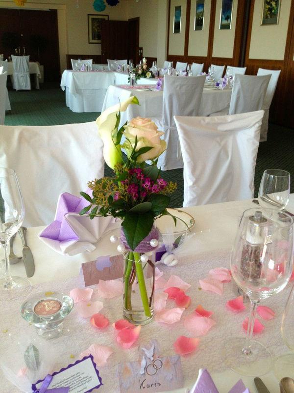 Beispiel: Tischdekoration, Foto: Blumenelfen Griessmaier.