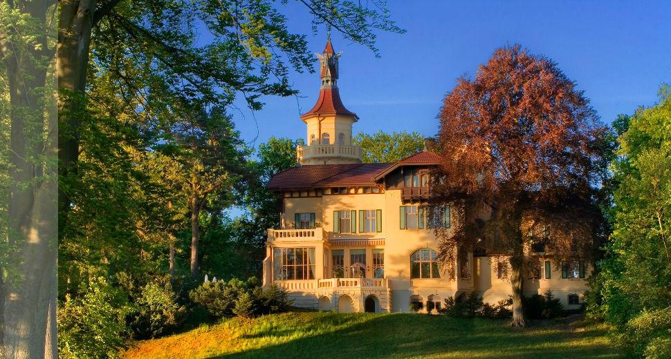 Beispiel: Außenansicht, Foto: Schloss Hubertushöhe.
