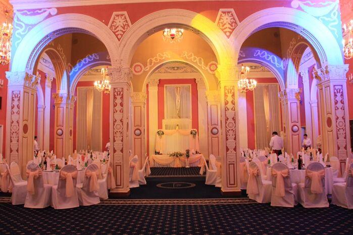 Королевский зал свадьба 200 гостей