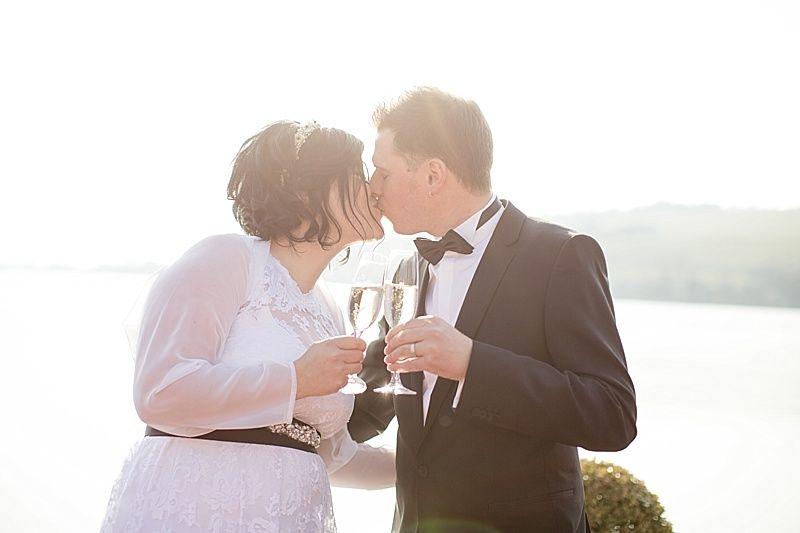 Hochzeit am See lake wedding Champagner