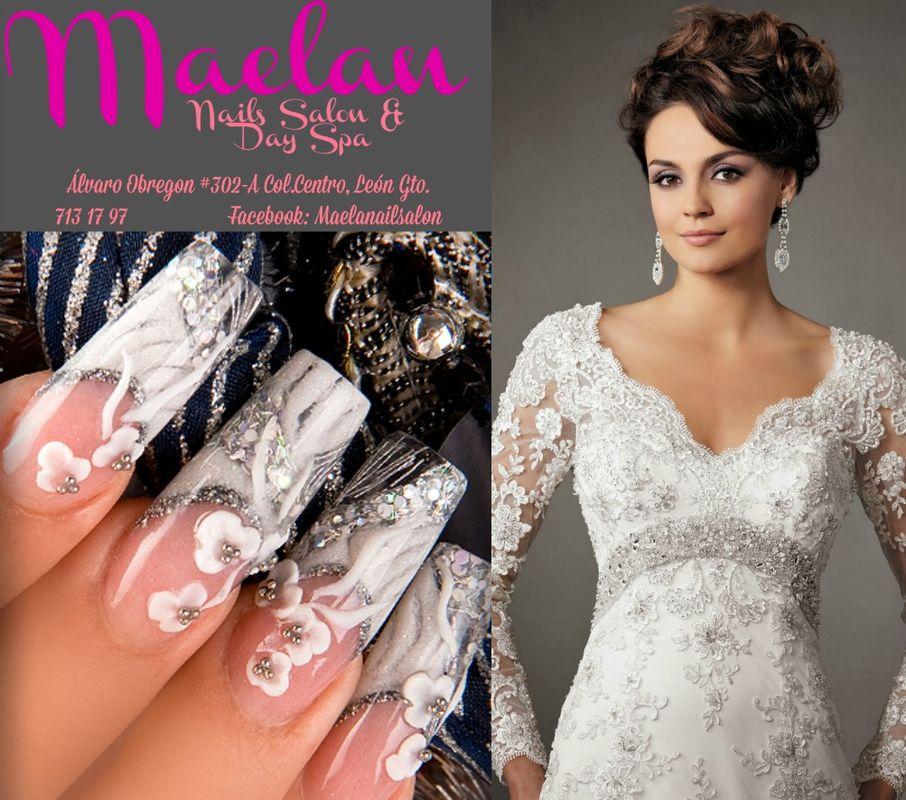Uñas con diseño exclusivo para novia blanco plata