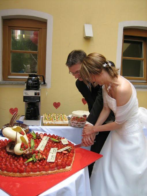 Beispiel: Glückliches Brautpaar, Foto: AnEvent - Your wedding dreams.