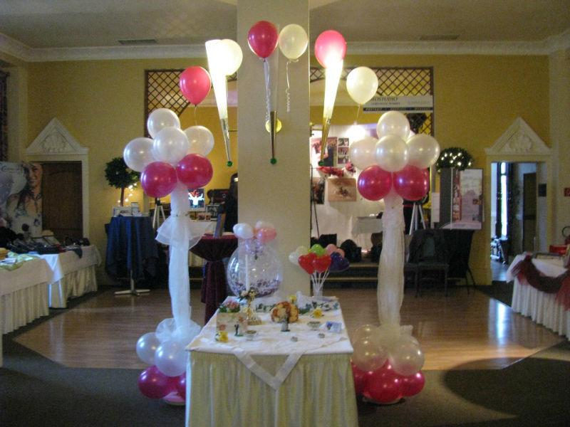Beispiel: Ballondekoration Hochzeit, Foto: Ballonverpackung.