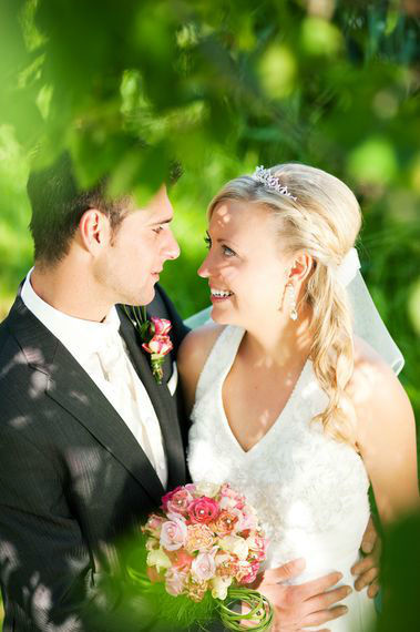 Beispiel: Wunderschöne Hochzeitsfloristik, Foto: Blumenhaus Frei.