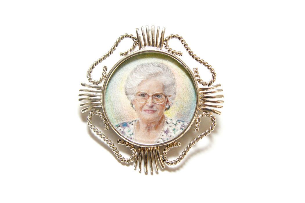En Linker creamos tu joya única con arte para el día más especial.