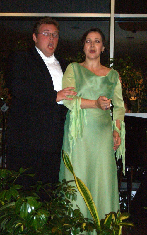 Dúo tenor y soprano. En ceremonia y/o banquete. También conciertos privados de cumpleaños o evento.