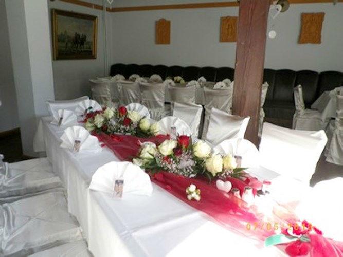 Beispiel: Hochzeitsdekoration, Foto: Restaurant Hofstall.