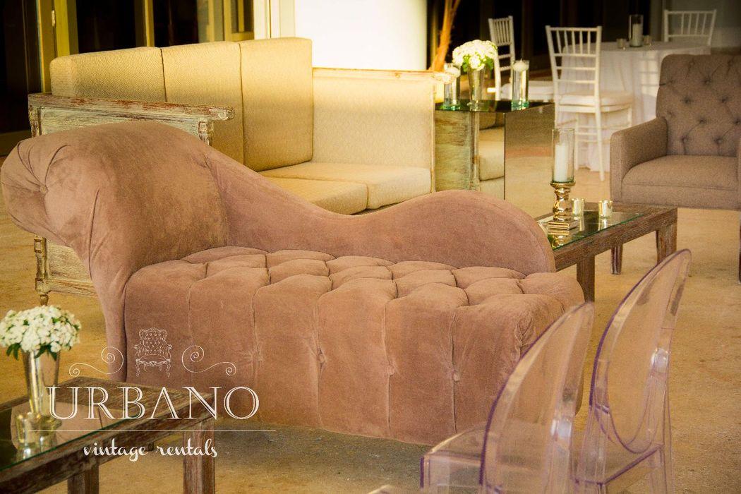 Nuestro sofá cleopatra en color gris oxford combina con todo.