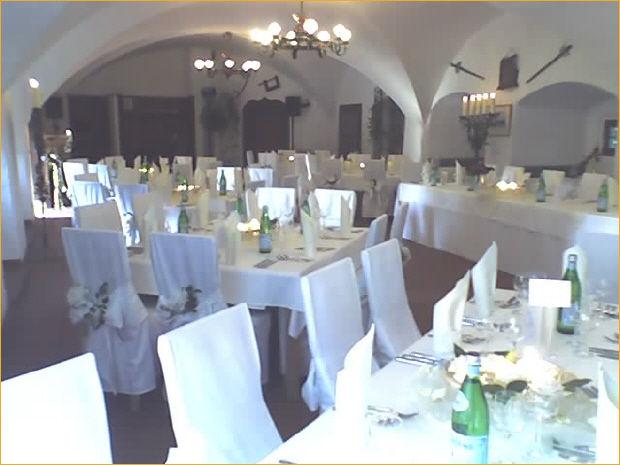 Beispiel: Hochzeitsgedeck, Foto: Schloss Wiesenthau.