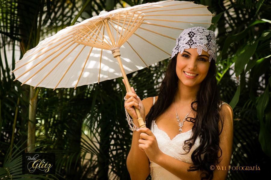 Parasoles de Bambú accesorio ideal para una boda de día campestre, de playa o para llegar a la iglesia en un dia de sol