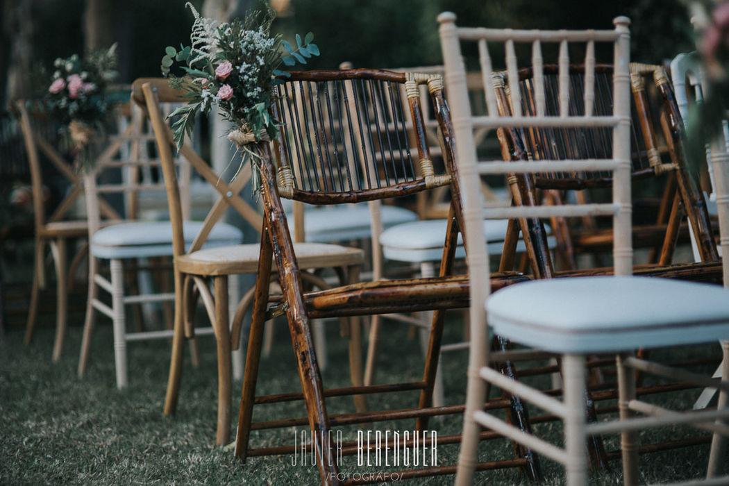 Alquiler silla bambú, silla tiffany natural y silla cross back para bodas y eventos
