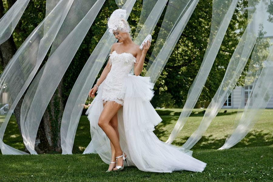 Beispiel: Kurzes Brautkleid, Foto: Mery's Couture Bad Ragaz.