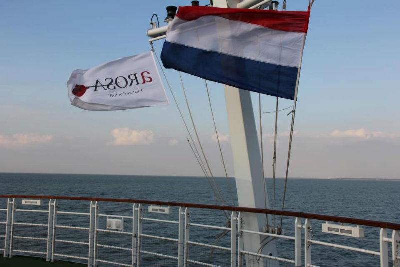 Beispiel: Fahnen im Wind, Foto: A-Rosa.