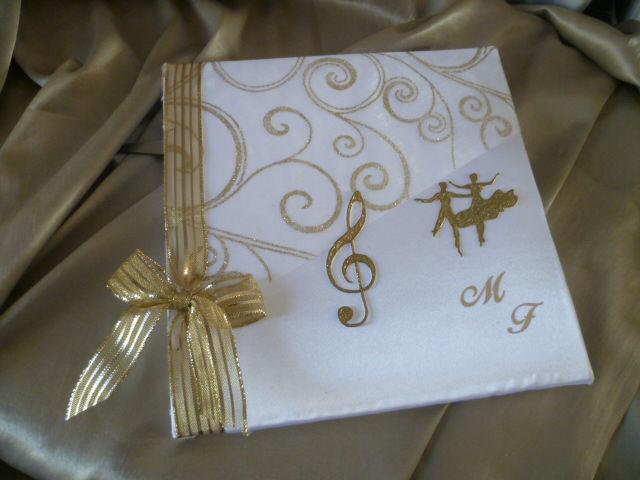 livre d'or blanc or thème MUSIQUE