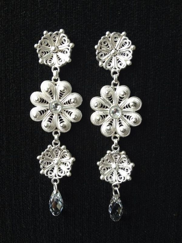 Aretes,  con cristales, perlas y mas...