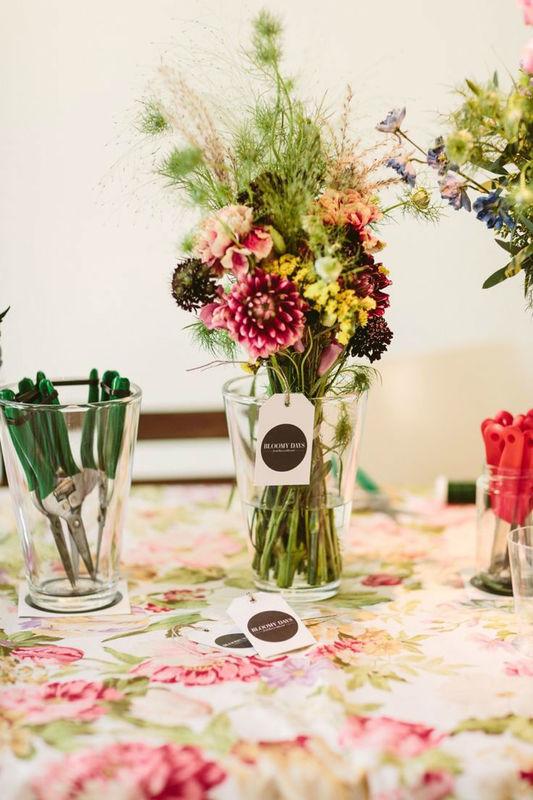 Beispiel: Blumenarrangement, Foto: BLOOMY DAYS.