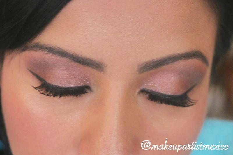 Ojos perfectos maquillaje con diseño de ceja muy hermoso. Makeup Artist Mexico