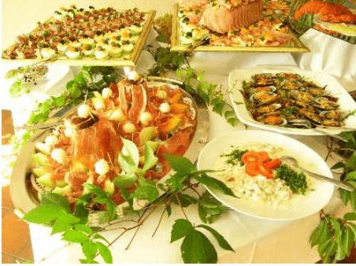 Beispiel: Buffet, Foto: Mélange - Restaurant und Café.