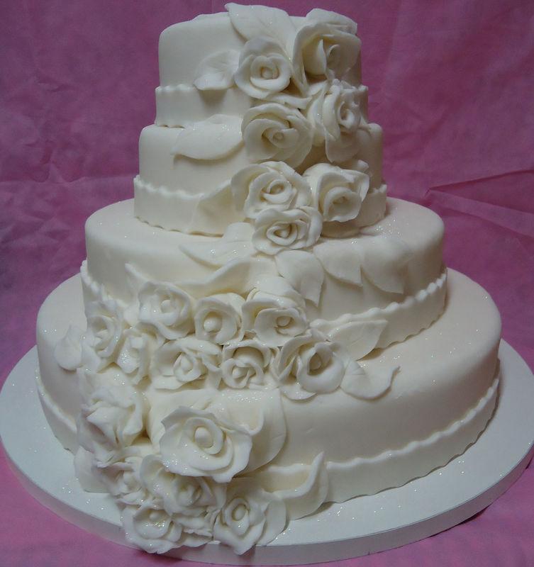 Bolo de Casamento de Pasta Americana