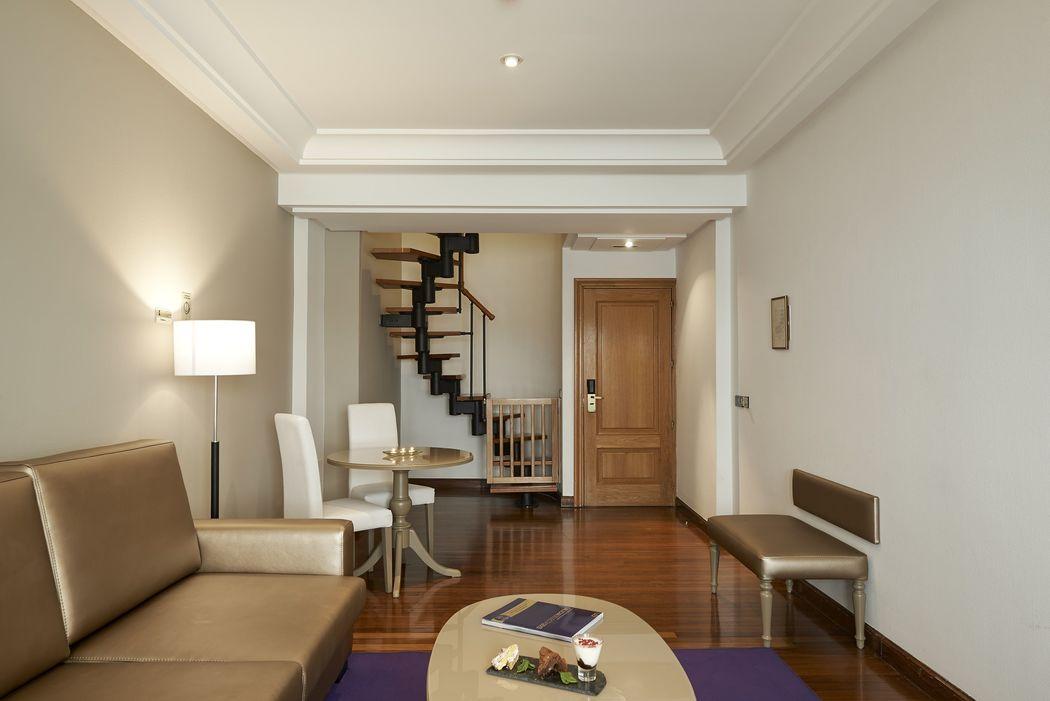 Salón de Habitación Junior Suite Dúplex Vista Mar con terraza