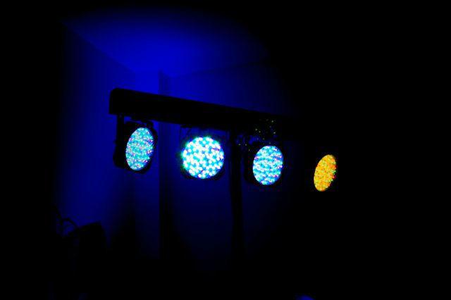 Beispiel: Ton- und Lichttechnik, Foto: Pinchadiscos.