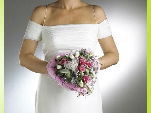 Beispiel: Wunderschöne Brautsträuße, Foto: BLUMEN STRAUB.