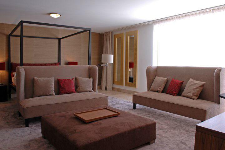 Beispiel: Modern Suite, Foto: Romantik Hotel Schweizerhof Grindelwald.