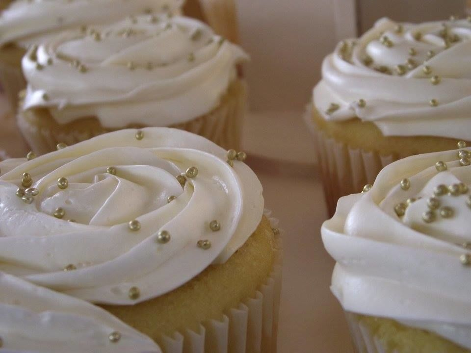 Cupcakes de rosas, ideales para consentir el paladar de tus invitados.