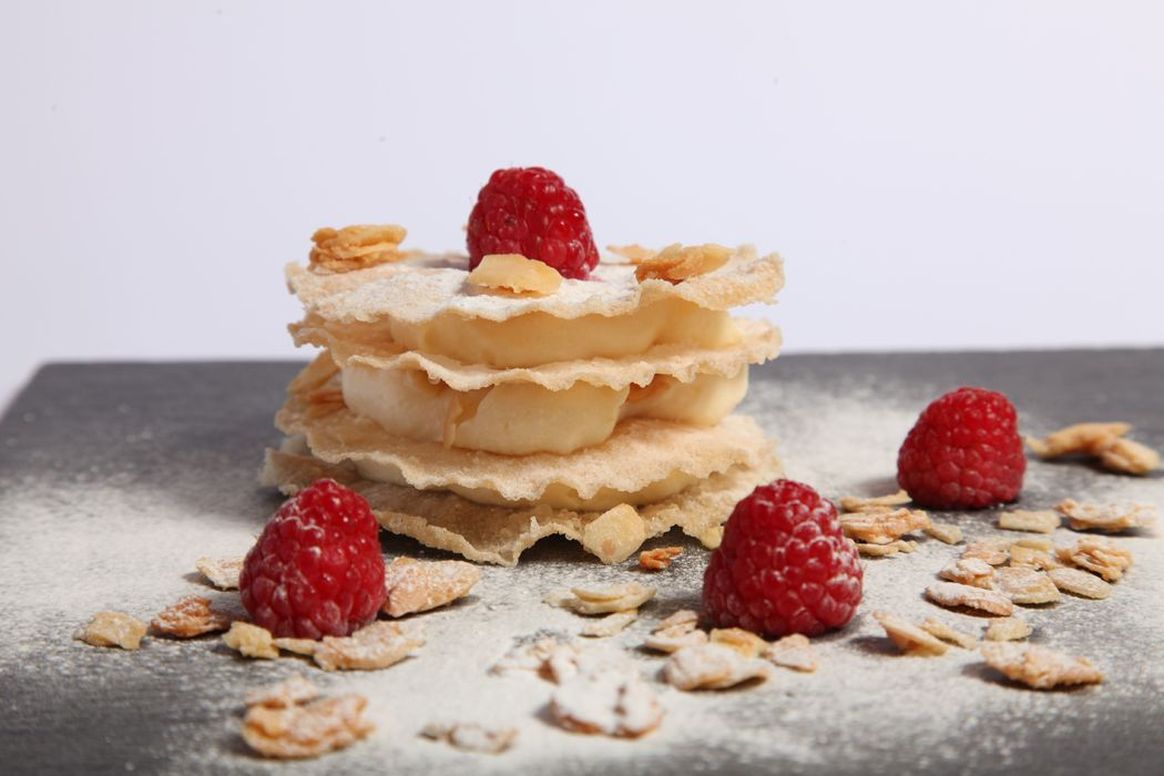 Tarta Árabe de Obleas fritas con almendras laminadas caramelizadas por El Puchero de Plata
