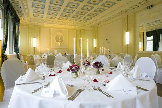 Beispiel: Hochzeitsbankett - Runder Tisch, Foto: Logenhaus.