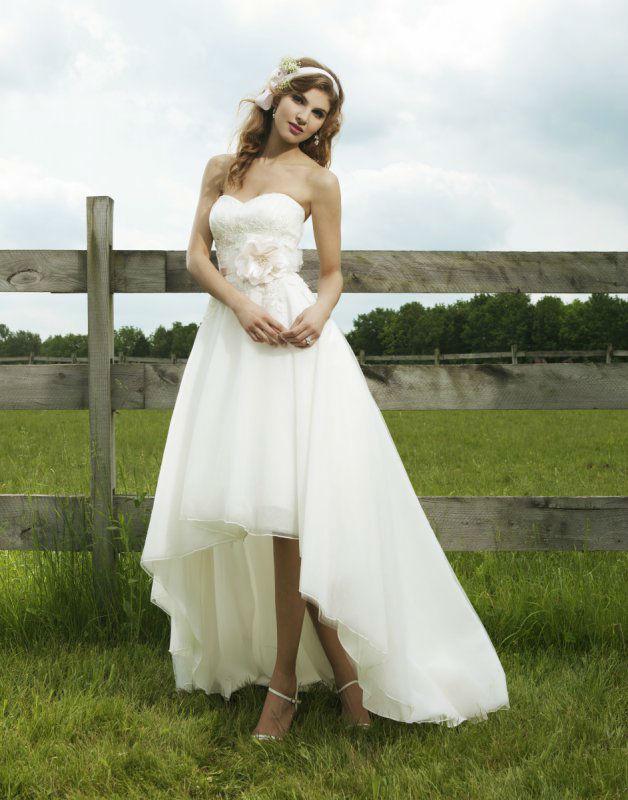 Beispiel: Traumhaftes Brautkleid, Foto: Silhouette.