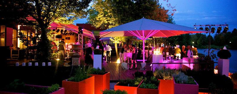 Beispiel: Hochzeitsgesellschaft, Foto: Lago Hotel & Restaurant.