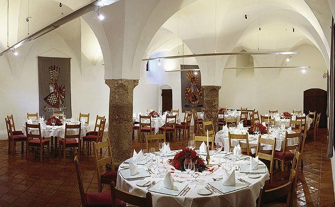 Beispiel: Location, Foto: Burg Hasegg.