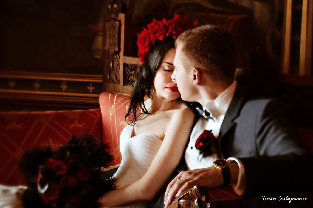 Фотограф: Тимур Сулейманов. Макияж и прическа: невеста Анна. Организация свадьбы: www.pragasvadba.ru