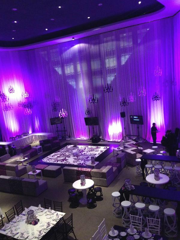 Pista de Baile, Encortinado y salas Mix & Match junto con iluminacion