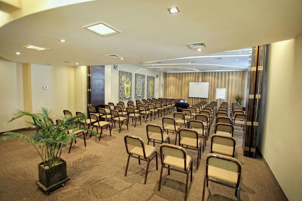 Salón Galería Foresta Hotel Lima San Isidro