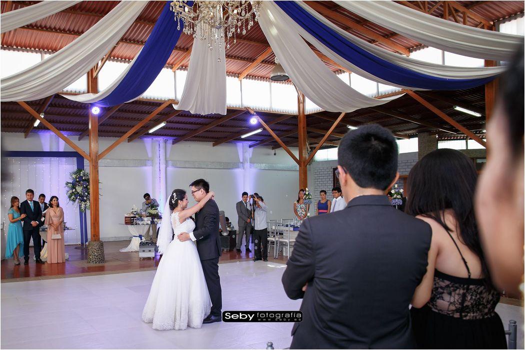 Hermosa Pista de Baile