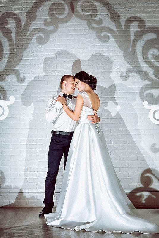 Фото студия свадебной и семейной фотографии