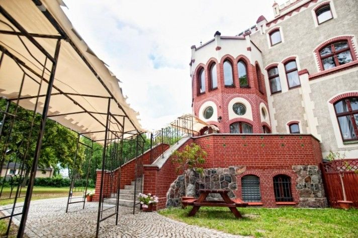 Wesele w ogrodzie Zamku von Treskov