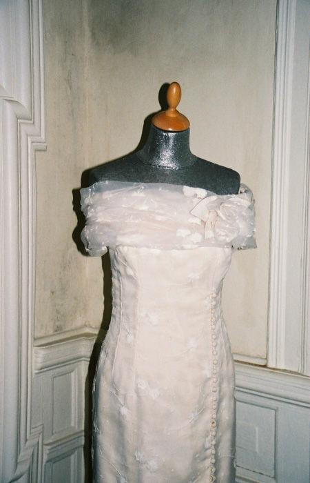 Beispiel: Feine Stoffe, Foto: Rieth-Couture.