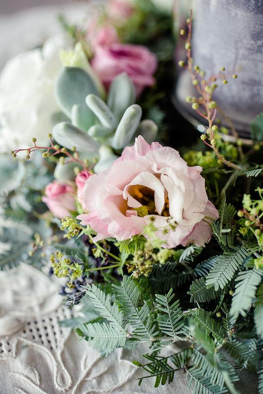 Au Jardin d'Egly - Couronne  bohème photophore succulentes lisianthus rose - centre de table